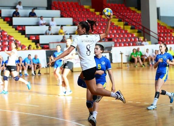 България на победа от финал на Европейското за девойки