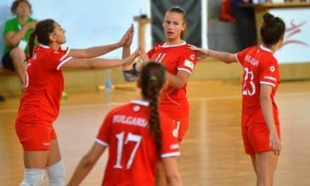 България започна със страхотна победа на Европейското за девойки