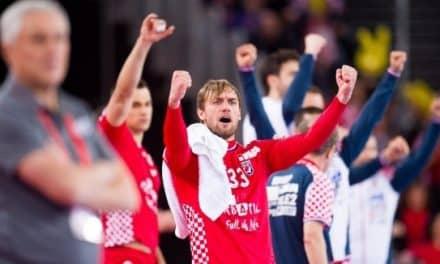 """Хърватия се спаси на косъм от голяма издънка в """"Арена Загреб"""" (видео)"""